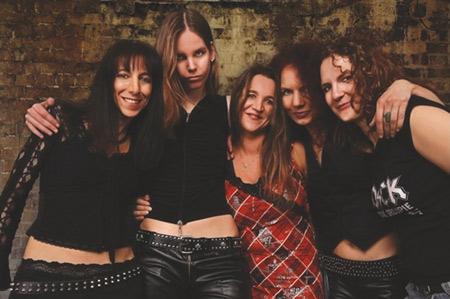 Black/Rosie – Frauen-AC/DC-Band in Flensburg im Roxy Concerts