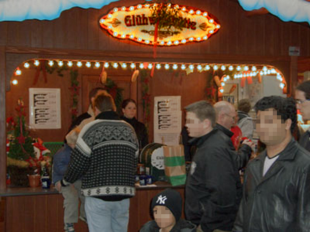 Glühweinstände in der Flensburger City sollen ab Montag wieder geöffnet werden