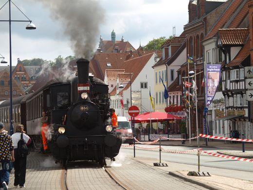 Findet man nicht überall! Mit der Eisenbahn quer durch Flensburgs City