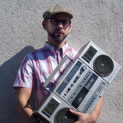 Schmeiß die Platten weg! – DJ MAD kommt ins MAX Flensburg