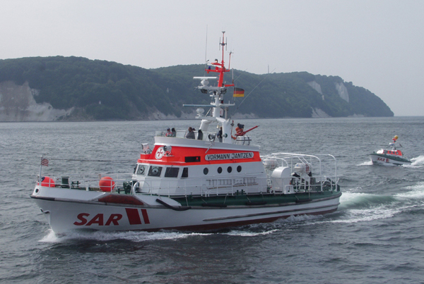Seenotretter retten gekenterte Segler vor Flensburg