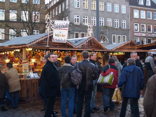 Weihnachtsmarkt in Flensburg wegen Orkan Xaver am Donnerstag geschlossen