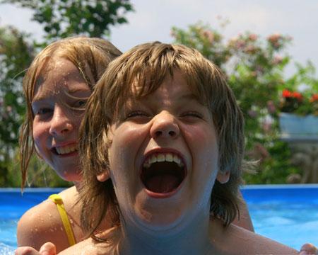 Endlich schwimmen können! Kostenlos Seepferdchen machen in Flensburg