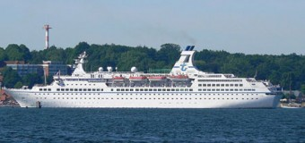 Schicke Kreuzfahrtschiffe MS Hamburg und MS Astor kommen auch 2014 nach Flensburg
