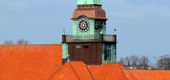 Der AVS-Turm strahlt wieder wie neu – Sturm Christian hatte ganze Arbeit geleistet