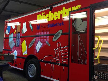 Großes Einweihungsfest für den neuen Flensburger Bücherbus