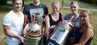 FH-Studierende entwickeln einzigartiges Konzept: Zwei Biere in einer Flasche