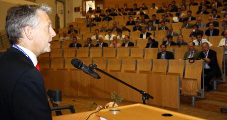 FH-Professor in Flensburg leitet Fachgruppe zur Schiffseffizienz