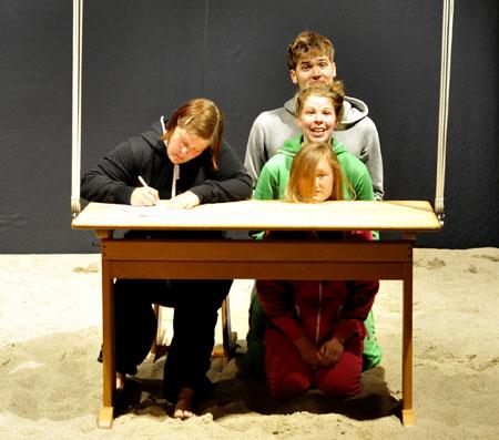 Pilkentafel in Flensburg präsentiert: Abiball – Eine Momentaufnahme