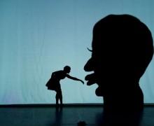 PILOBOLUS präsentiert SHADOWLAND in der Flens-Arena