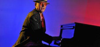 Ist das Elton John, der da singt? – Live-Konzert im Culturgut Flensburg