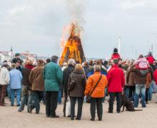 Osterfeuer an der Flensburger Hafenspitze